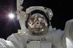 vr Brillen vergleich vr-brillen-vergleich-astronaut-anwendungen-virtual-reality